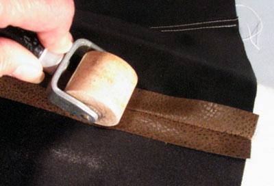Как разглаживать швы изделий из кожи